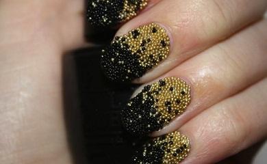Caviar Nails goudzwart