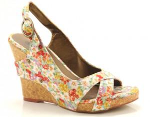 Trendy sandalen met sleehak