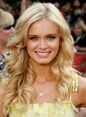 44-Long-blonde-hairstyles-2013-pictures-223x300