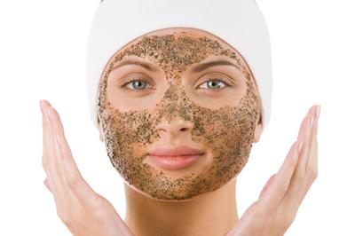 hoe scrub je je huid